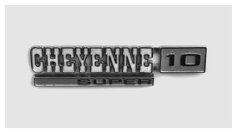Chevrolet Cheyenne Super Fleetside 1971 chrome script badge